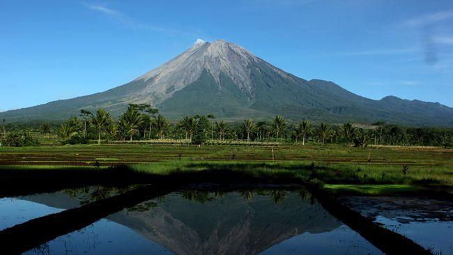 Gunung di Indonesia dengan Keindahan Alam Yang Menakjubkan