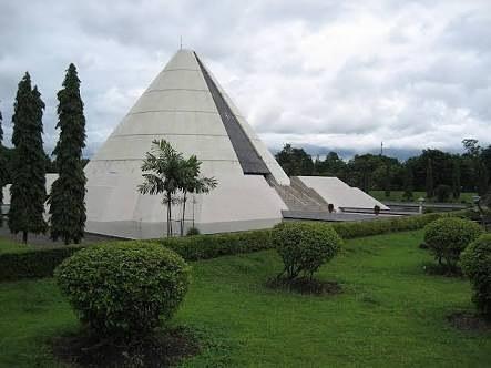 Titik Imajiner Kraton Jogja, Tugu Yogyakarta, Gunung Merapi, Parang Tritis dan juga Panggung Krapyak