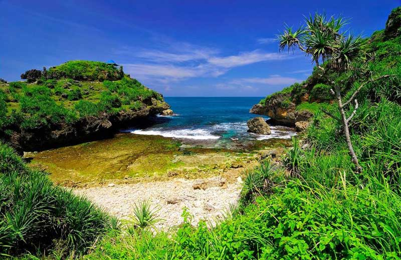 Pantai Nglimun