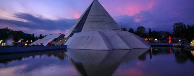 Monumen ini berdiri di Kabupaten Sleman, tepatnya di Dsn Jongkang, Sariharjo, Ngaglik dan persis di pinggir jalan Ring Road Utara Yogyakarta